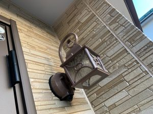 相模原市にて外壁塗装工事 玄関周り塗装