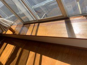 窓台はクリアー塗装も2層入れています