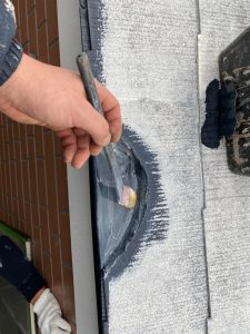 外壁塗装工事 破損箇所パテ埋め