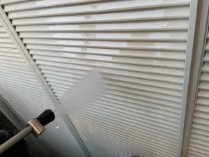 東京都大田区にて外壁塗装工事 高圧洗浄作業中