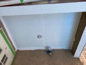 軒天、ウッドデッキ撤去後の箇所を塗装