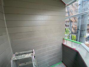外壁部最後の仕上げとなる上塗り塗装